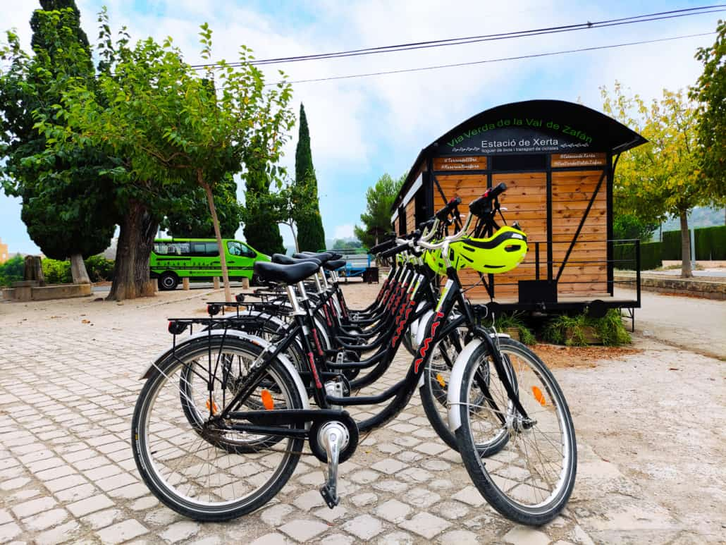 Antiga estació de Xerta. Foto lloguer de bicis estació de Xerta