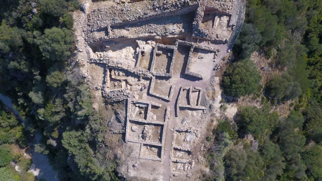 Restes del Poblat Ibèric del Castellot de la Roca Roja - Ajuntament de Benifallet